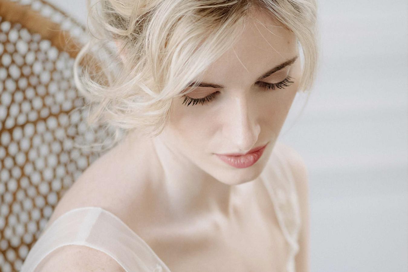 Maud Bonnard - Beauty Art Coiffure- Coiffure et maquillage de mariée - Lyon et Rhône Alpes - Blandine Soulage - Prestations maquillage de mariée - Coiffure de mariée